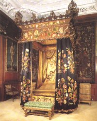 R&R - Burghley House - Black and Yellow Bedroom