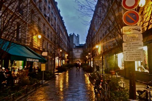 Eloisa James Interview - Parisian Street near her apartment