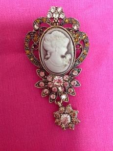 delilahs-gift-brooch