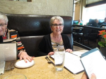 lunch-with-mary-balogh-dorothy-salvagin