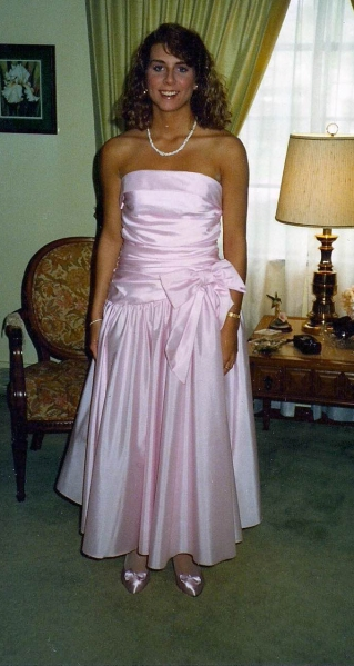 Joanna Schupe Interview - school prom dress.png
